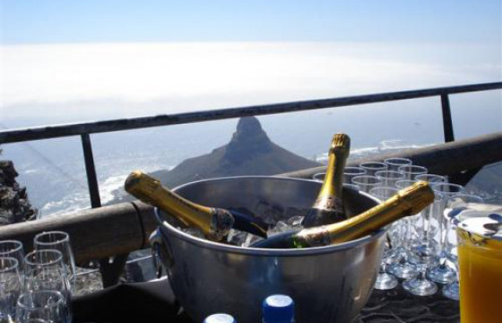Sip Champagne on the summit of Table Mountain – a New7Wonder of the World