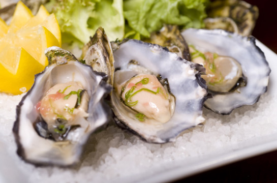 Taste the famous wild and farmed Knysna Oysters