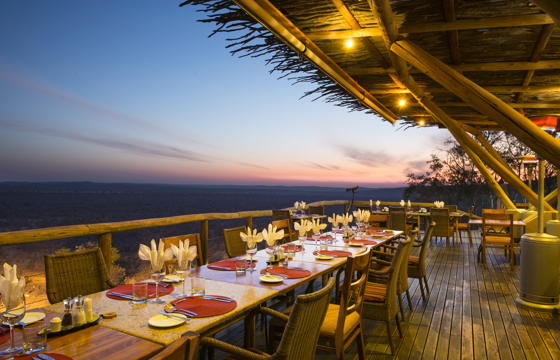 Dine under the dazzling African night-sky (Etosha)