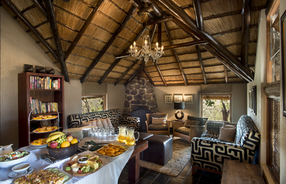 Enjoy sumptuous breakfasts, lunches & afternoon 'High Teas' (Pilanesberg)
